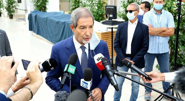 Sicilia, sei zone rosse: Musumeci firma una nuova ordinanza. Sono 1.673 i casi in due giorni