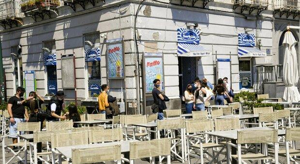 """Italia zona gialla, cosa """"non"""" bisogna fare da lunedì? Bar, spiagge, feste, palestre: ecco le regole"""