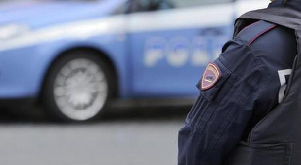 Roma, paura sullo scuolabus: scoppia pneumatico in autostrada. L'autista era abusivo