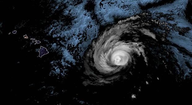 Uragano Hanna, Texas flagellato dai venti: in 250mila al buio, allarme inondazioni