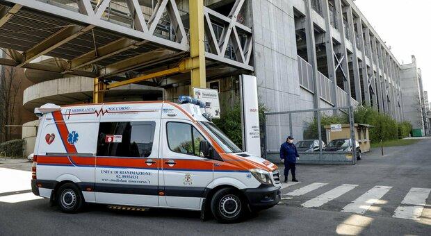 Lombardia, rafforzati i posti ospedalieri: 200 in terapia intensiva per i prossimi 2 giorni