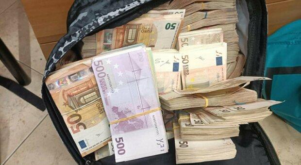 Bari, arrestati per corruzione il gip del Tribunale e un avvocato penalista