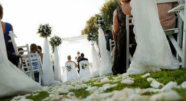 Green Pass ai matrimoni, stop obbligo per gli under 12: approvato l'emendamento
