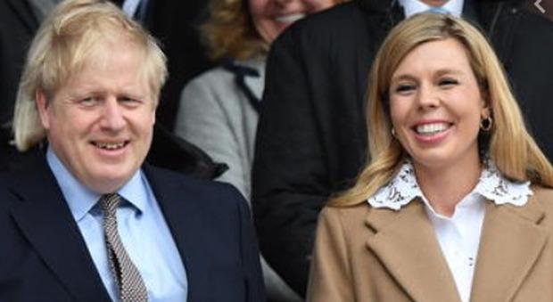 Boris Johnson, si sposa (per la terza volta) con Carrie Symonds: possibili nozze in Italia
