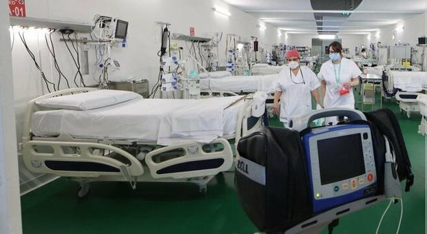 Gimbe: aumentano casi, ricoveri e decessi. Allarme terapie intensive in 10 regioni