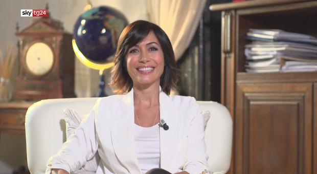 Mara Carfagna: «Scoprire di aspettare un figlio in pieno lockdwon non è stato facile»