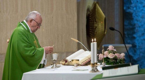 Padre Nostro e Gloria, da oggi si cambia ecco i nuovi testi
