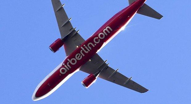 Air Berlin in bancarotta, il governo tedesco: «Voli garantiti»