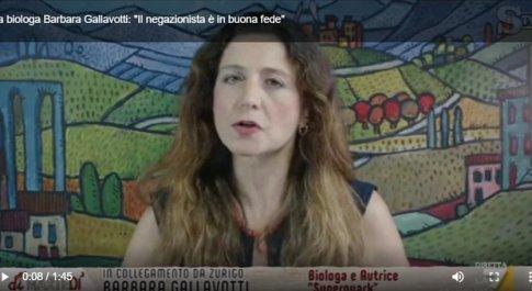 «Covid, il negazionismo come la demenza»: la spiegazione di Barbara Gallavotti a DiMartedì