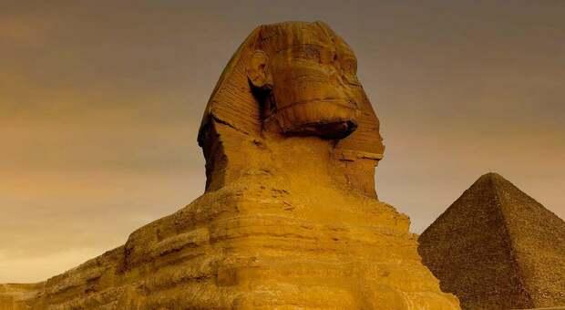 Isaac Newton e il segreto delle piramidi: era certo che i calcoli portassero a stabilire l'apocalisse