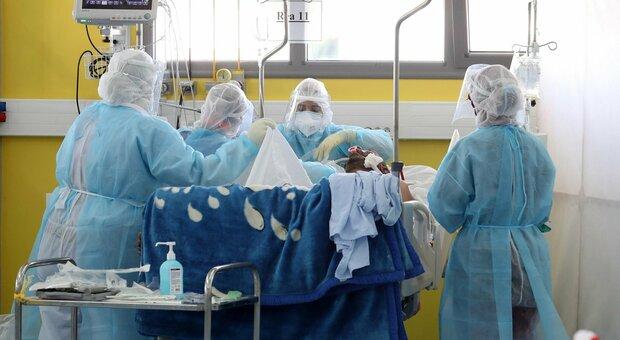 Variante del virus, focolaio all'ospedale Sant'Orsola di Bologna: 10 contagiati tra operatori e pazienti