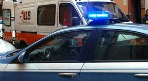 Roma, omicidio a San Giovanni: uomo ucciso a coltellate davanti all'ingresso della metro Caccia all'assassino