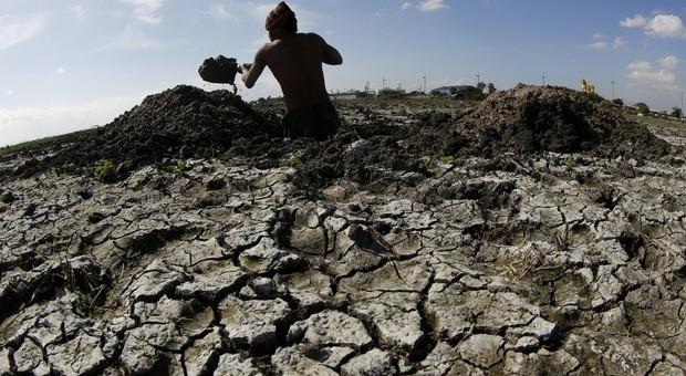 Clima, gli esperti lanciano l'allarme: «Siamo nel mezzo di una crisi climatica»