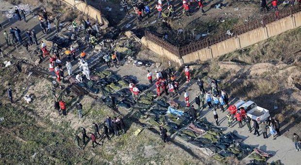 Disastro aereo in Iran: 177 morti, nessun superstite