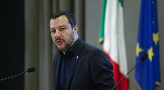 Salvini sul caso Gregoretti appeso ai voti di Italia Viva: «Conte sapeva, ho le mail»