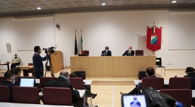 Abruzzo in zona arancione da domani: ordinanza di Marsilio. Gelo del governo