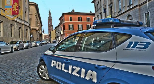 Violenta due bambine vicine di casa: 29enne arrestato a Crema, un video sul cellulare lo incastra