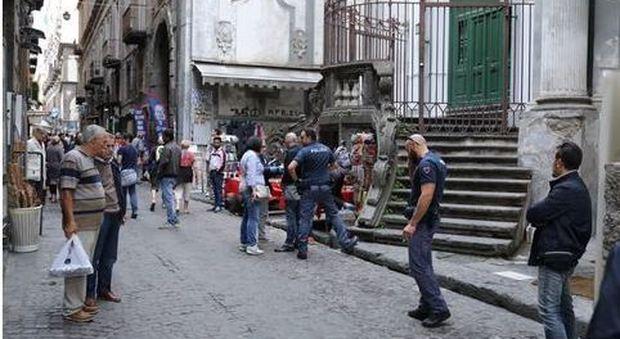 Napoli, quattordicenne accoltellato: operato d'urgenza