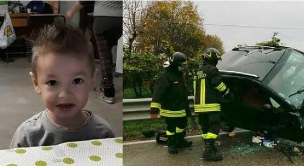 Incidente choc a Rovigo tra due auto, muore bambino di 5 anni: gravissima la madre