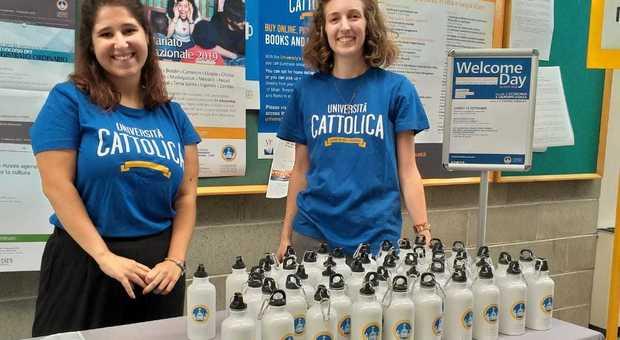 Università Cattolica, ateneo sostenibile: via le bottiglie di plastica, borracce e isole ecologiche