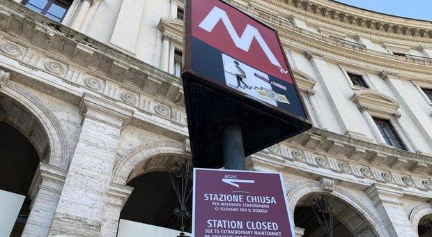 Roma, Metro A Repubblica riapre domani dopo 256 giorni di stop: «Operative solo 4 scale»