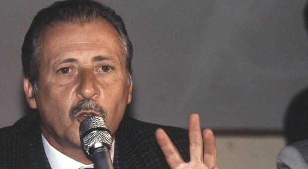Paolo Borsellino, 29 anni fa la strage di via D'Amelio. Mattarella: «Pagò con la vita la sua rettitudine»