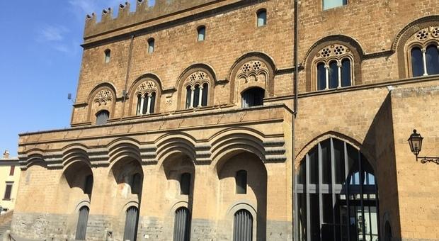 «Palazzo del Capitano del Popolo, quale futuro?» E' quanto chiedono a Orvieto i consiglieri di minoranza