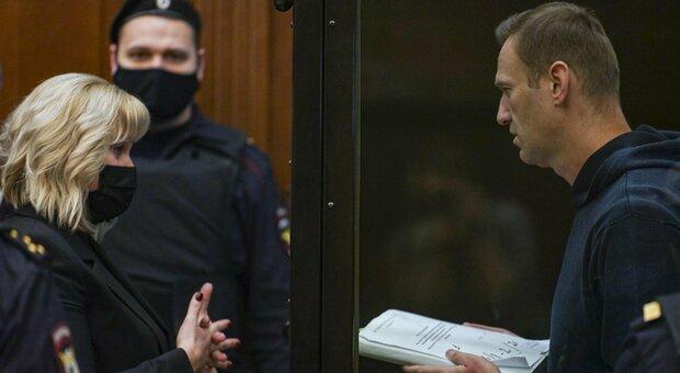 Navalny, tribunale conferma il carcere per l'oppositore di Putin: in cella per due anni e mezzo