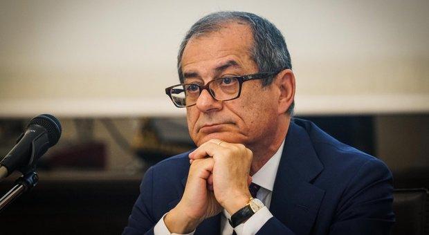 Pensioni, con quota 100 e 62 anni si rischia fuga degli statali: potrebbero uscire in 300mila