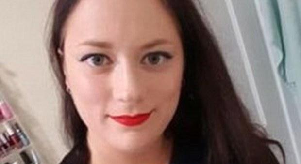 Usa, prof 29enne fa sesso con 2 studenti nell'aula: smascherata da un alunno