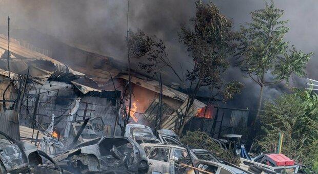 Campo rom Olimpica, sequestrata l'area della discarica: ad agosto l'incendio che bloccò mezza Roma