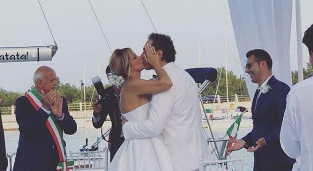 Francesca Barra e Claudio Santamaria, nozze a Policoro. E lui le fa la serenata