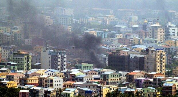 Birmania, colpo di Stato: oltre 90 morti. Ucciso anche un bimbo: «È il giorno della vergona»
