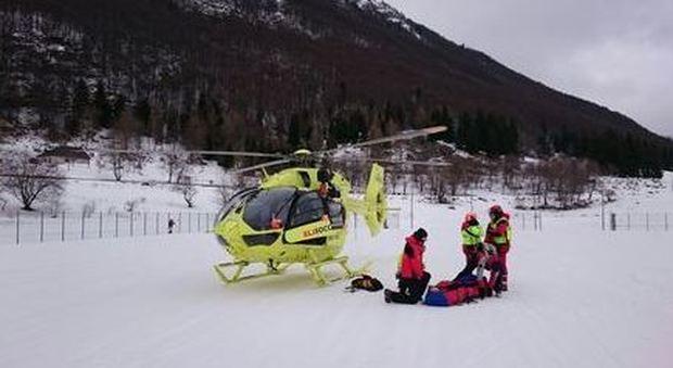 Aosta, slavina a Chamois: morto uno scialpinista