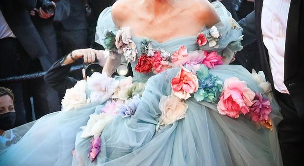 "Sharon Stone, ""Un fiore tra i fiori"", foto di Serge Arnal/Starface"