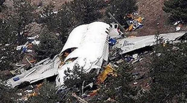 Disastro Germanwings, danni morali: la compagnia non risarcirà i familiari dell'equipaggio