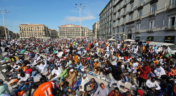 Il Ramadan a piazza Garibaldi a Napoli