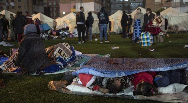 Terremoto in Albania, 30 morti: sterminata la famiglia della fidanzata del premier