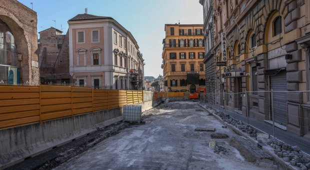 Buche a Roma, la paralisi nel lockdown: lavori saltati da Prati a Marconi