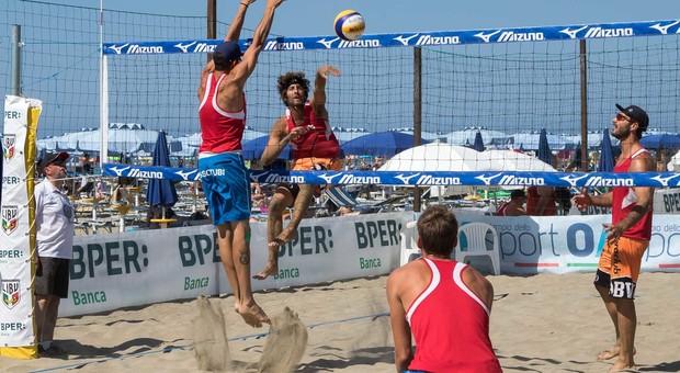 """Beach volley, alto rischio """"crack"""" per caviglia e ginocchio. Ecco come prevenire"""