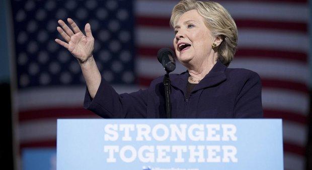 Usa, Clinton: «Io ultima cosa tra voi e l'Apocalisse». Trump: repubblicani sleali
