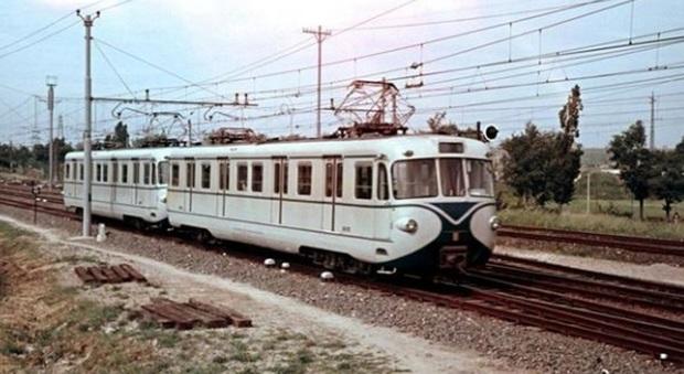 Una ex vettura della Roma-Lido (foto Franchi/Nicodemi)