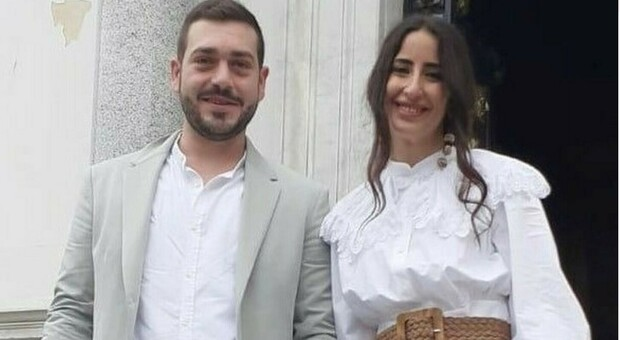 La sposa Floriana lascia il pranzo di nozze per andare a fare il vaccino: le hanno anticipato la seconda dose