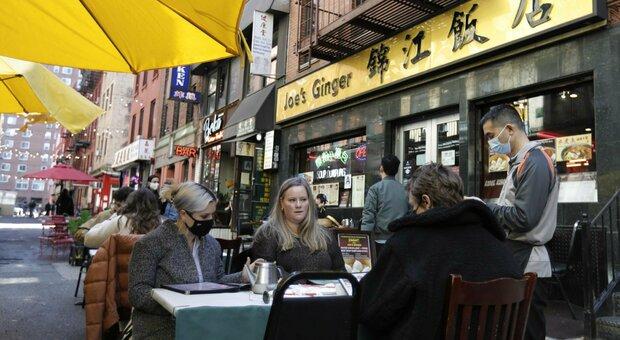 Covid, New York torna a vivere e tornano i topi. «Più cibo con i ristoranti aperti, denunce boom»