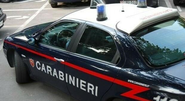 """Frosinone, riecco la truffa del """"soldato innamorato"""": due denunciati. Raggiri per 70mila euro"""