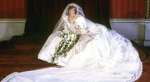 Lady Diana, al suo matrimonio fece preparare due bouquet uguali: ecco il motivo