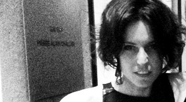 Milano, stilista impiccata: il cadavere verrà riesumato