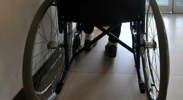 Abusa di una minore disabile mentre la madre non è in casa: è caccia all'uomo in provincia di Savona