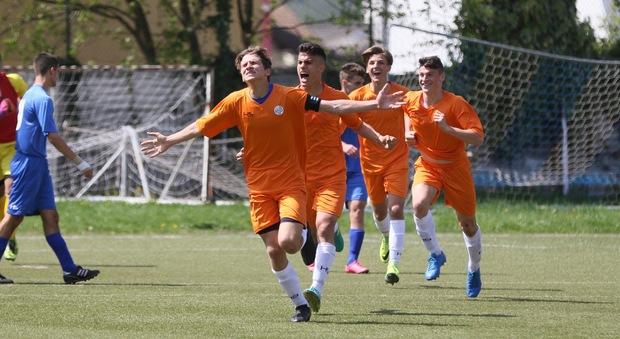 Calcio Per Bambini Bolzano : Calcio serie c monza a bolzano per l ultima prima dei playoff e