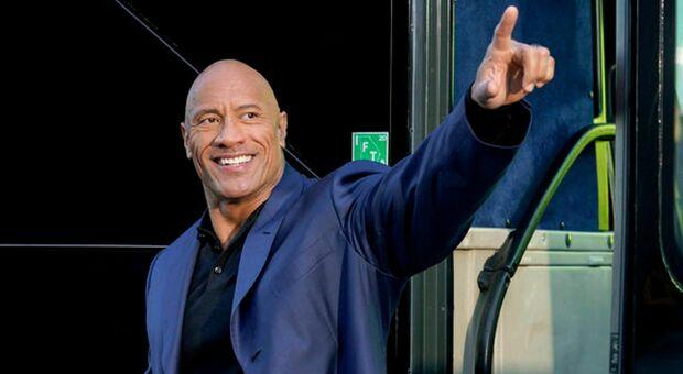 """Dwayne """"The Rock"""" Johnson pensa alla Casa Bianca: avrebbe il voto del 46% degli americani"""